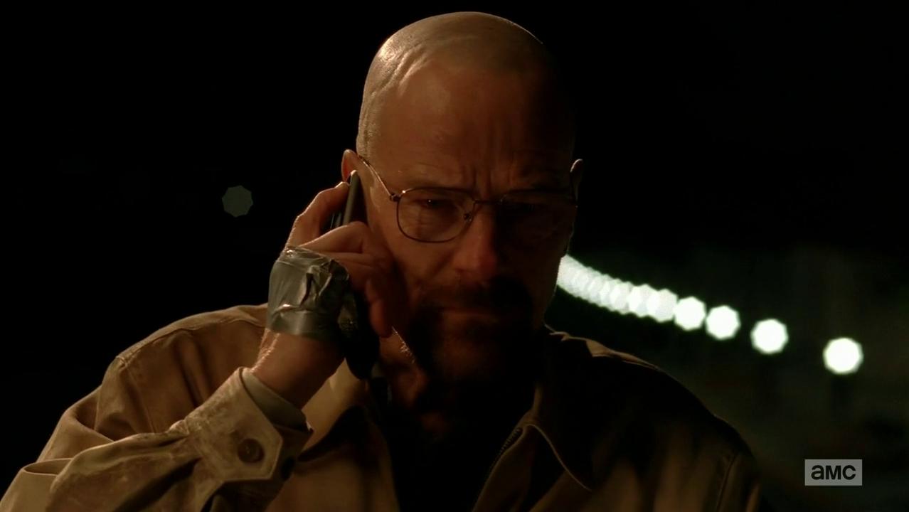 Breaking Bad er en amerikansk drama og kriminalserie som gikk på AMC fra 2008 til 2013 Serien foregikk og ble produsert i Albuquerque New Mexico og handlet om